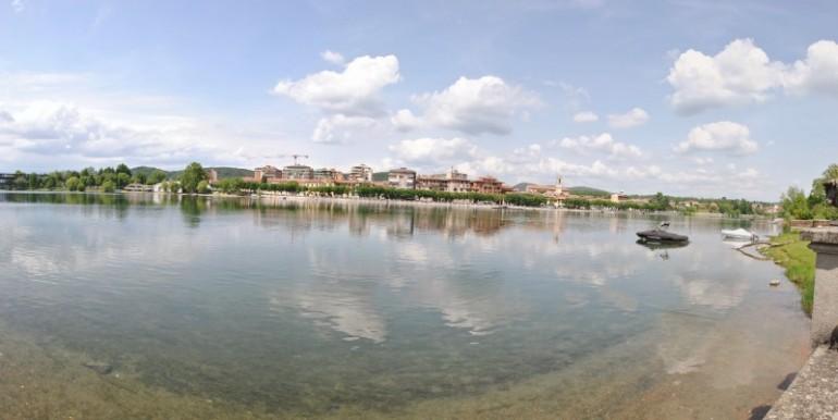 Lago Maggiore villa d'epoca a lago darsena piscina dependance