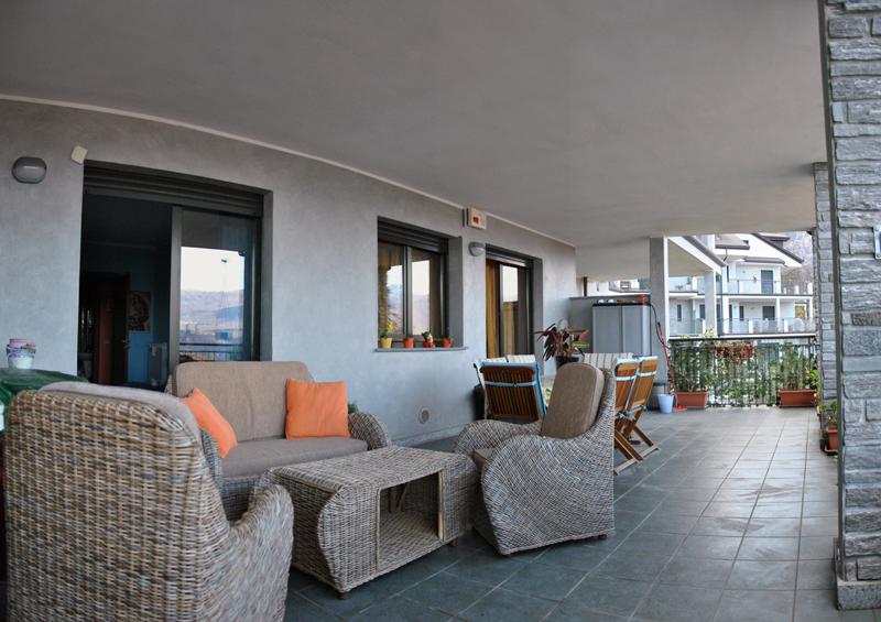 Baveno appartamento bilocale terrazza coperta for Lungolago affitto lago cabina grande orso