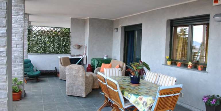 Baveno appartamento bilocale terrazza coperta
