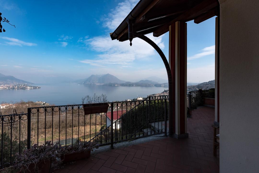 Villetta con magnifica vista del golfo Borromeo